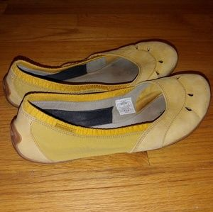 Merrell Sz 10 Yellow Stretch Ballet Flats